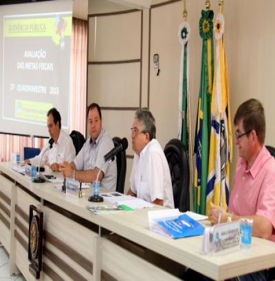 Com superávit orçamentário de R$ 6,6 milhões, Prefeitura já teria recursos para o 13º do funcionalismo